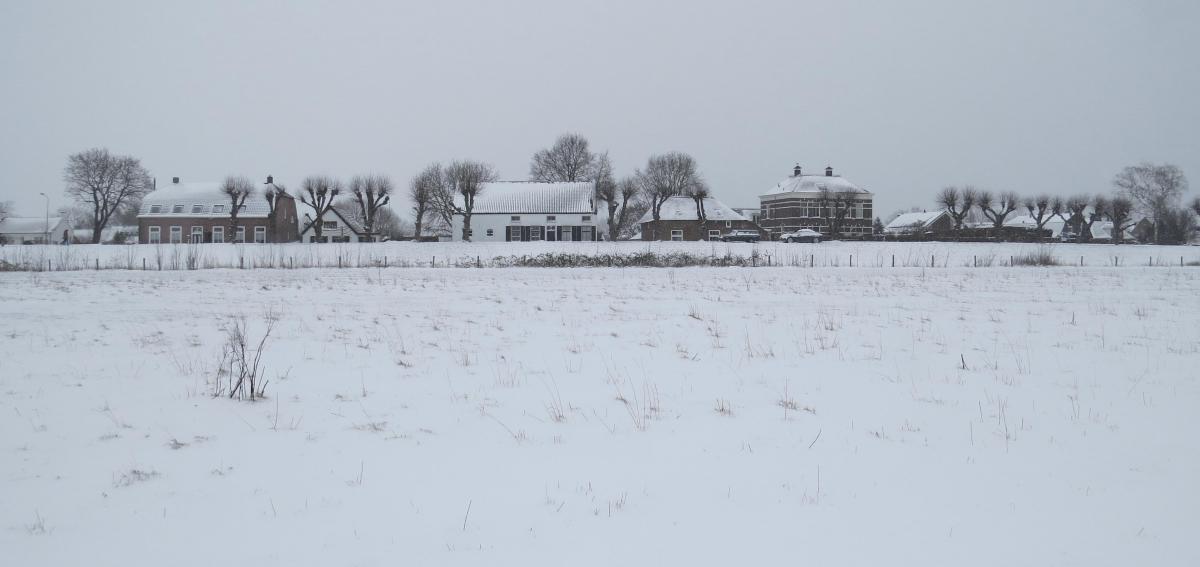 Raadhuisdijk-in-de-sneeuw